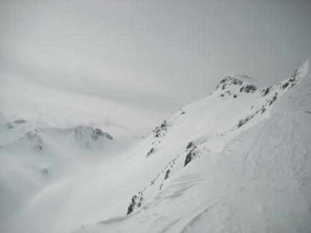 Torhelm 2450m